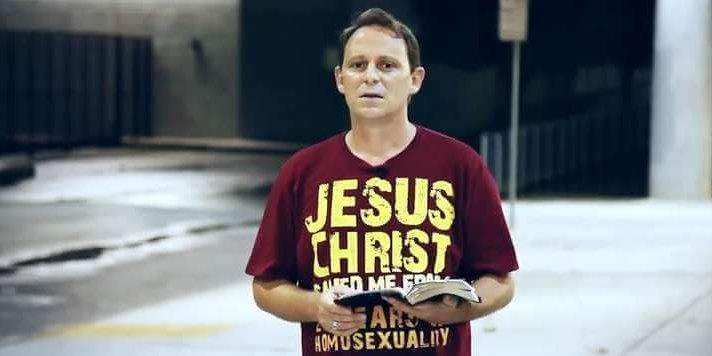 gay-man-712×356