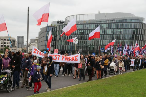 polands-march-for-life-marching.